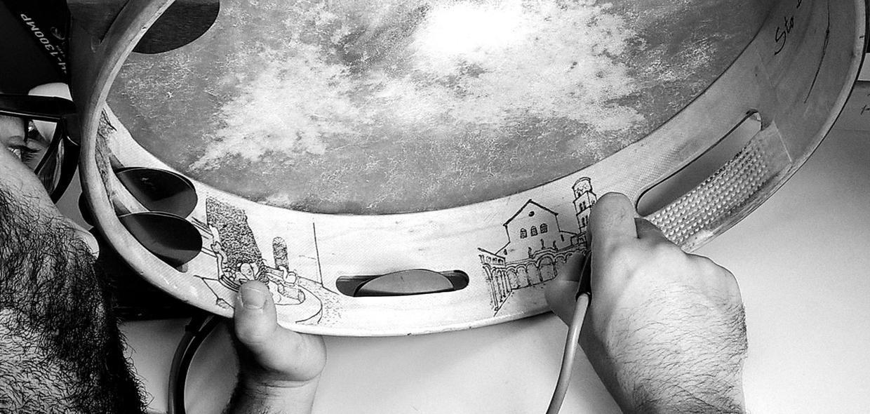 Tammorrarte castagnette decorazione strumenti musicali musica popolare tammorra Salerno Campania artigianato artigiano fatto a mano regalopopolare Arte Legno Avvocata Madonna avvocata Madonna delle galline Tammorrari Tammorraro Canti popolari Canto popolare Balli popolari Ballo popolare Danza popolare Madonna di bagni Montevergine Juta a montevergine Mamma schiavona Somma Madonna di castello Madonna dell'arco Pagani Terzignese Agro nocerino Cilentana Giuglianese Canto dei sanfedisti Tammurriata nera Canto sul tamburo Ballo sul tamburo Materdomini Pizzicarella